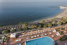 Fuerte-Marbella-Außenpool-und-Strand