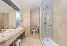 Fuerte-Marbella-Doppelzimmer-Meerblick-Badezimmer