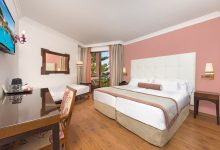 Fuerte-Marbella-Doppelzimmer-seitlicher-Meerblick