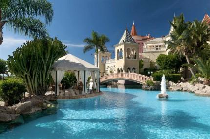 Grand-Hotel-Bahia-del-Duque-Außenpool