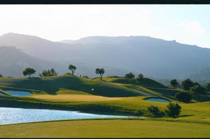 Golfreisen Lissabon-Penha-Longa-Championship-Golf-Loch 15