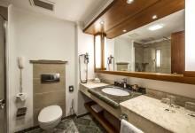 ROBINSON-Club-Nobilis-Doppelzimmer-Haupthaus-Badezimmer