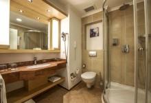 ROBINSON-Club-Nobilis-Doppelzimmer-Village-Badezimmer