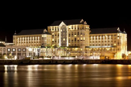 The-Table-Bay-Hotel-Abend