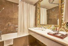 Dona-Filipa-Hotel-Doppelzimmer-Classic-Badezimmer